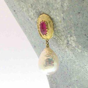 """Orecchini oro e rubini """"RINASCIMENTO""""- perle barocche, rubini"""