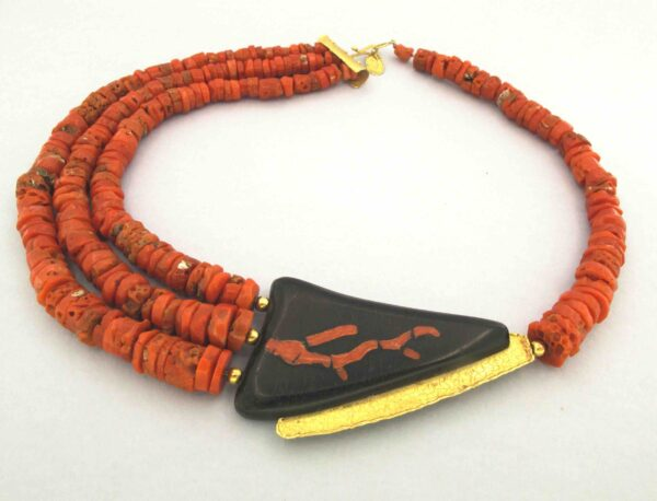 collana oro e corallo