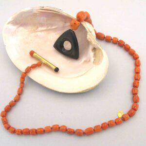 """(ESAURITO)Collana oro e corallo""""TRIANGOLO""""- Girocollo in corallo"""